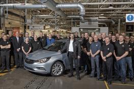 Opel-Vauxhall-plant-in-Ellesmere-Port-298764