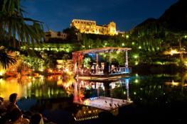 Concerto sul Laghetto delle Ninfee dei Giardini di Sissi durante World Music Festival 2