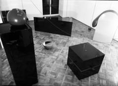 Paolo Bressano_allestimento della personale di Giovanni Anselmo_Galleria Sperone_aprile 1968