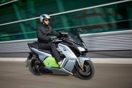The new BMW C evolution – 11kW version _ outdoor