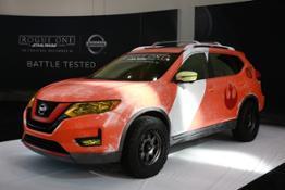 Nissan Star Wars 2016LA display 01