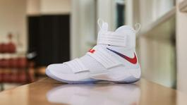 161205 FOOTWEAR LEBRON 0369R hd 1600