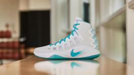 161205 FOOTWEAR HYPERDUNK 0373 hd 1600