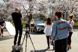 Ellie Goulding drives Range Rover Velar in New York