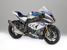 P90254449 highRes bmw-hp4-race-04-2017