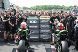 hi 06 Donington WorldSBK Race 2 100 Wins GB41427
