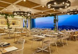 Pyrgos Restaurant Santorini Pedrali ph credits Antonis Eleftherakis photography  (6) low