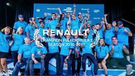 21197277 Renault e dams celebrates its third consecutive title in Formula E
