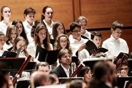 il coro di voci bianche diretto dal M° Flor nella Terza di Mahler - foto Paolo Dalprato (2)