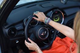 2.DriveNow Treatwell donna guida
