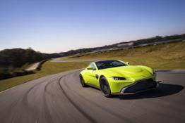 Aston Martin Vantage Lime Essence 02