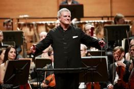Patrick Patrick Fournillier dirige laVerdi con Paolo Grazia solista all'oboe 28 aprile 2016 - foto Paolo Dalprato (3)