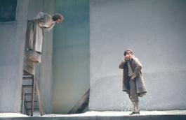 """07 – Maddalena Crippa e Bruno Zanin (1975) in """"Campiello"""" © Luigi Ciminaghi  Archivio Piccolo Teatro di Milano"""