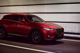2018-Mazda CX-3 New-York-Auto-Show-2018 Action 2