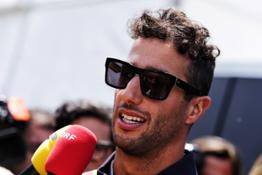 21214787 Primary Photo For 21214786 Daniel Ricciardo joins Renault Sport Formula One