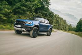 2018 FORD RANGER RAPTOR WILDTRAK Shot29 34FrontDynamic Tarmac 05