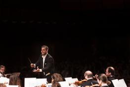 Jader Bignamini dirige laVerdi con Giuliano Rizzotto trombone solista-©StudioHanninen-8207