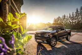 2018-SEMA-Chevrolet-Silverado-HighCountry-Concept-001