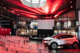 21217991 CS- Renault Garage Italia e Facebook insieme a bordo fra tradizione e