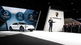 Image-Gallery Presentation_of_the_Mission_E_Cross_Turismo_at_Geneva_Motor_Show