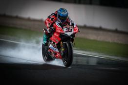 r12 melandri qatar race2 01 UC68675 High
