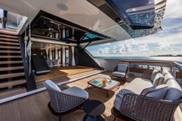 Boat Builder Award Custom Line 120' door