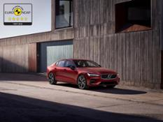 246678 Volvo S60 and V60 secure 5-star safety rating by Euro NCAP
