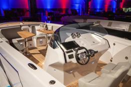 1017 GT Air cockpit