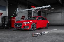ABT RS4+ Misano Red GR 20 indoor front diagonally