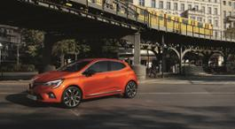 21221457 2019 - New Renault CLIO