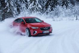 Opel-Insignia-GSi-505933