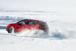 CUPRA-Ateca-takes-to-the-ice-track-in-the-Andorran-mountains 06 HQ