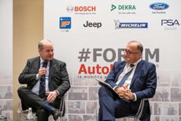 Vice Ministro Galli e Pierluigi Bonora Forum Automotive 19