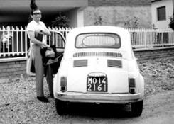 Luigi-Ghirri-fotografato-da-Franco-Guerzoni-fine-anni-60-Courtesy-Archivio-Franco-Guerzoni
