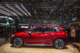 SEAT-kicks-off-its-e-mobility-offensive-in-Geneva 03 HQ