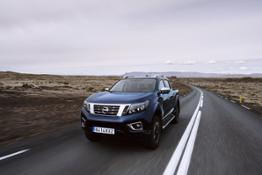 Nissan Navara Double Cab  Blue Iceland  Dynamic Front 3