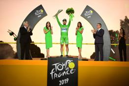 190712-Tour-de-France-winner-Egan-Bernal-celebrates-with-crystal-trophy-from-SKODA-AUTO-2