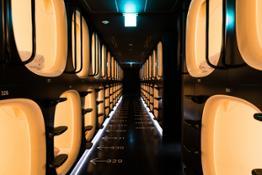 1 - dormire in un capsule hotel in Giappone
