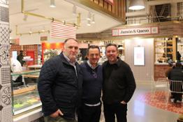 El Chef Jose Andrés y Albert Adrià con el gerente de VIVES