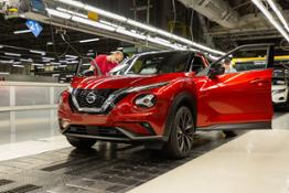 Nissan Juke production - Final Assembly (9)