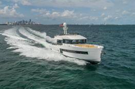Sundeck Yachts 580 - Exteriors (4)