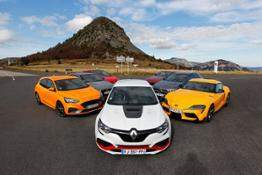 21236613 The Renault MEGANE IV R S TROPHY-R wins the award of the Sportcar of the