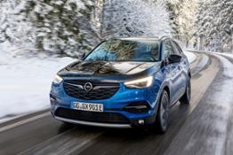 Opel-Grandland-X-Hybrid4-510343 0