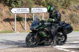 hi Ninja1000SX Location Action Photo TK 01 001