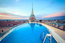 Rooftop Pool (3)