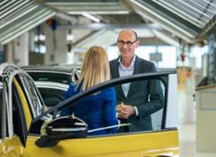 Volkswagen steps up electric offensive Series production of ID.4 begins in Zwickau--12148