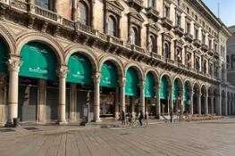 Portici settentrionali di piazza Duomo (1)