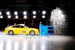 172071 Volvo S90 IIHS Small Overlap Test