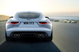 Jag F-TYPE 22MY P450 R-Dynamic Coupe Exterior 120421 002