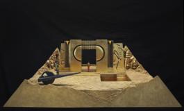 Modello della scena con il palazzo tempio per La passione di Cleopatra di Ahmad Shawqi, Gibellina, 1989. Foto Aurelio Barbare